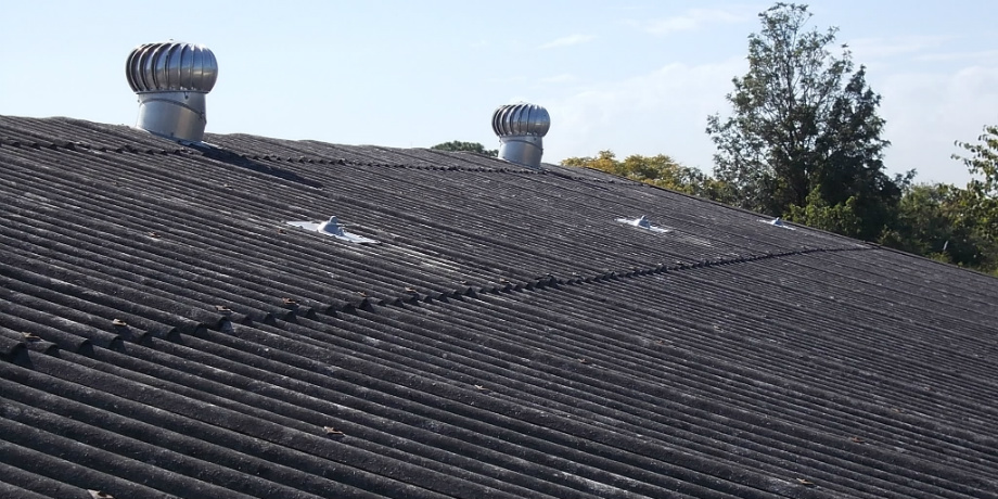 Dangerous height safety system on asbestos roof